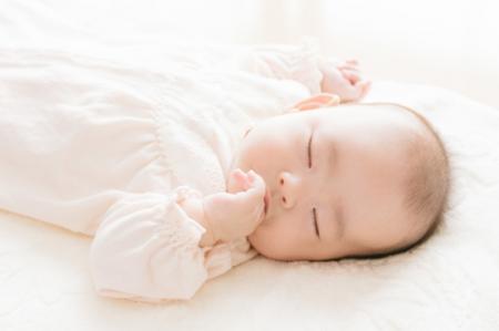 赤ちゃん寝ている