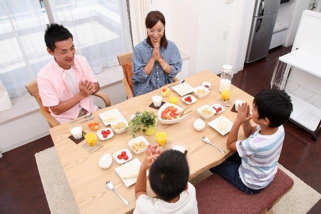 家族でご飯